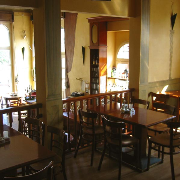 m ller s caf restaurant bar in dresden location. Black Bedroom Furniture Sets. Home Design Ideas
